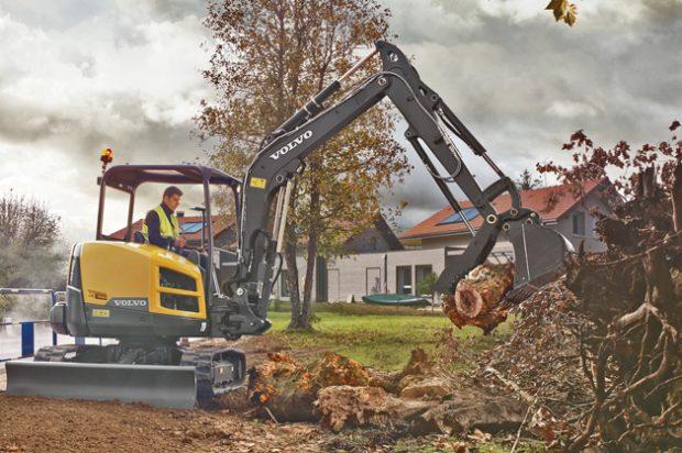 Innovative Iron Awards 2016: Volvo's New ECR40D Short Swing Radius Compact Excavator
