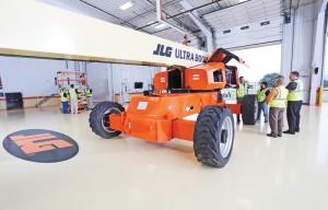 JLG Industries Unveils World Headquarters Training Center, Simulator