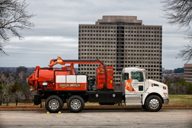 Ditch Witch Enters Air Excavation Market with New FXT Air Series