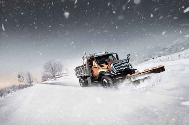 Snow Pros: Learn How to Prep for the 2016-2017 Snow Removal Season