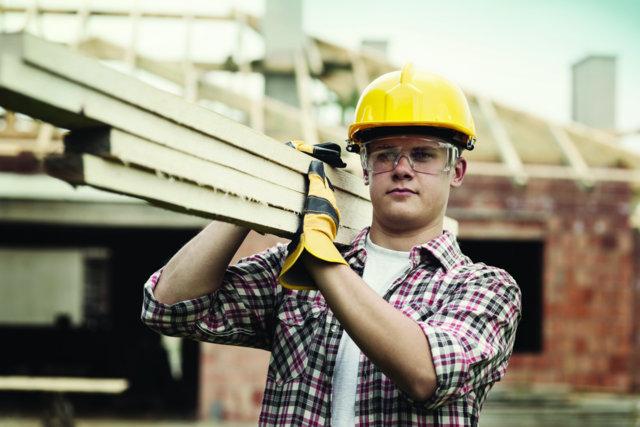 construction-worker-home-building-lumber-cut-111111