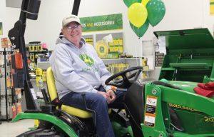 Friday Fun: Southeast Nebraska Family Wins 2016 John Deere Drive Green Grand Prize