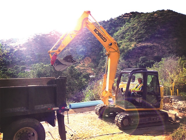 Kobelco SK85CS_Working_1 HiRes_EDIT1_upres (cut 1) 2