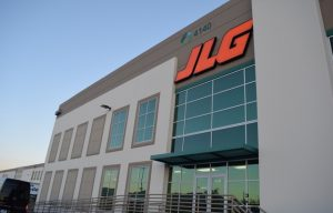 On site: We check out the new JLG Industries parts distribution center (photos!)