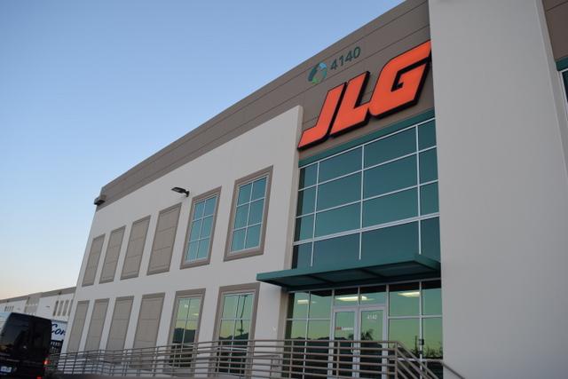 JLG parts distribution