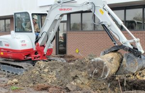 Opposable Options: Advice for Pairing Your Compact Excavator with the Perfect Thumb