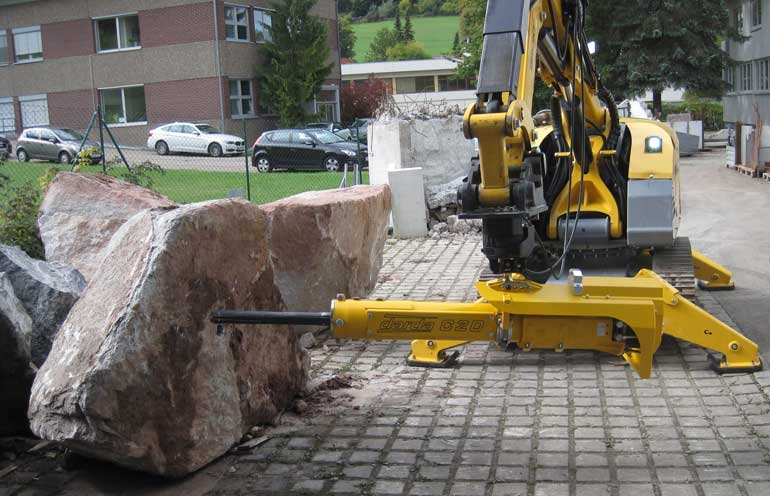 Brokk rock splitter