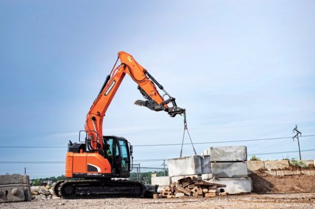 Doosan DX140LCR-5 Reduced-Tail-Swing Excavator to Be Displayed During 2018 World of Concrete
