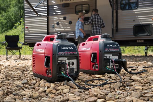 Honda EU2200i_camping lifestyle 2