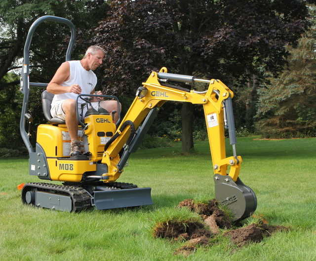 Rental customers and Gehl dealers asked the company to produce something smaller than the popular Gehl Z17 1.7-ton model and the M08 is the result.
