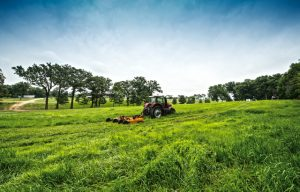 Woods Releases New Customer-Designed Batwing Mowers for Tractors