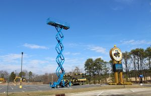Genie Scissor Lift Now a Featured Ride at Diggerland USA