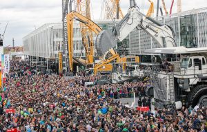 580,000 visitors from 200 countries visit bauma 2016