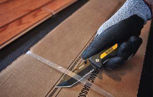 Dewalt Expands Selection of Utility and Pocket Knives