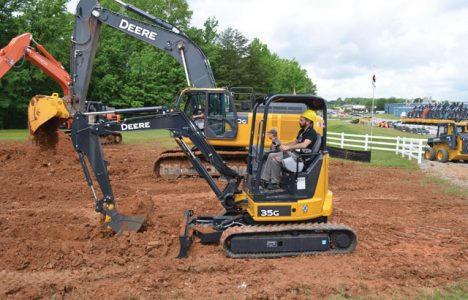 Operation Deere-Hitachi: Find the Secret to the 30-Year Success of the Deere-Hit...