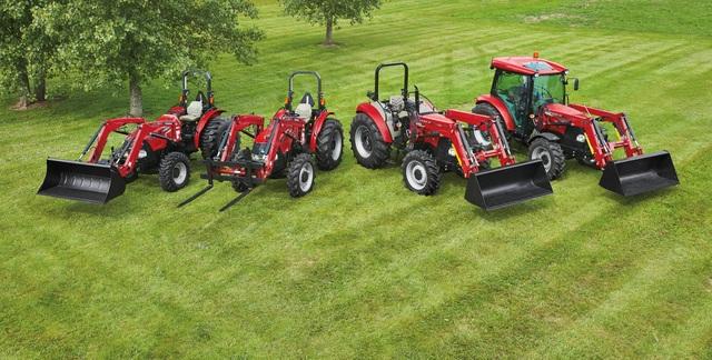 Case IH farmall utility tractor 3