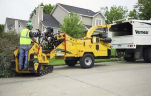 Check Out This Vermeer BC1500 Gas Brush Chipper