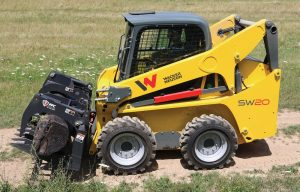 Compare Every Manufacturer's Skid Steer in Our 2018 Spec Guide