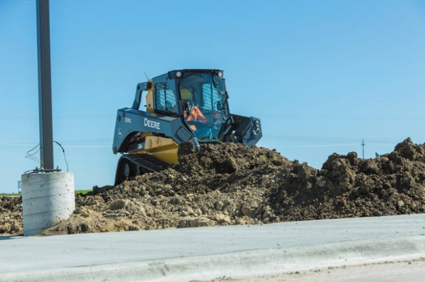 John Deere Introduces Industry-Exclusive On-Board Grade Indication on G-Series Skid Steers and Compact Track Loaders