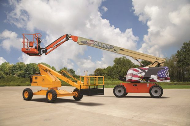 JLG Celebrates Production of Its 250,000th North American Manufactured Self-Propelled Boom Lift