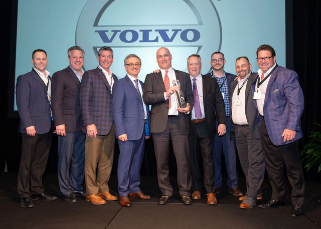 Alta-Equipment-receives-Volvo-CEs-Dealer-of-the-Year-Award-1