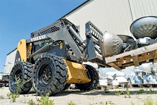 Volv skid steer with solid tires