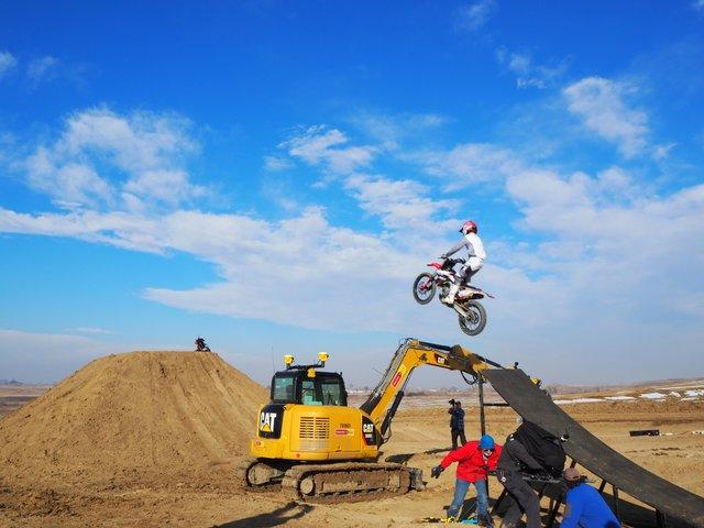 Cat excavator Trimble motorcross bike jump 3