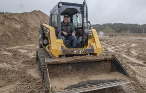 Mud & Mergers: Operating Track Loaders and Discussing the Yanmar Buyout with ASV in Soggy Minnesota