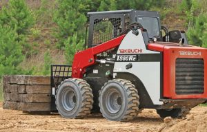 Compare Every Manufacturer's Skid Steers in Our 2019 Spec Guide