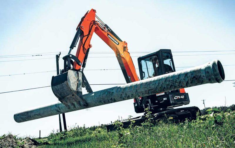 Doosan DX42 excavator