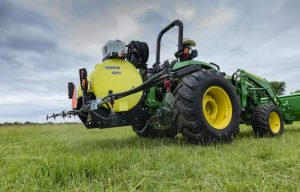 Deere Adds New Material Handling Equipment and Compact Sprayers to Frontier Lineup
