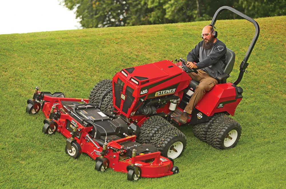 Steiner articulating tractor