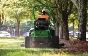 John Deere Announces New Rear-Discharge Mower Deck