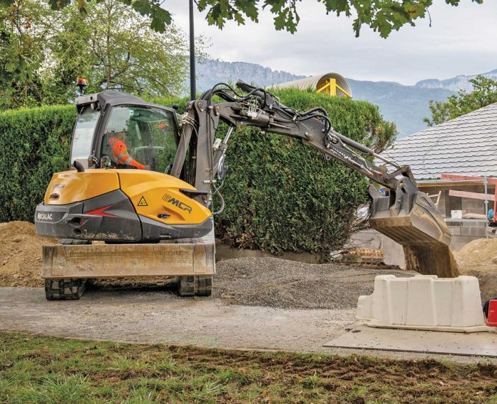 Mecalac 6MCR excavator