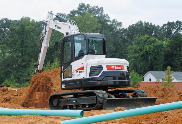 Bobcat-E85_Trenching_at_Construction_Site11