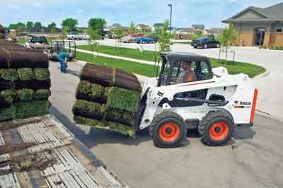 bobcat-skid-steer-landscaping-cut-3