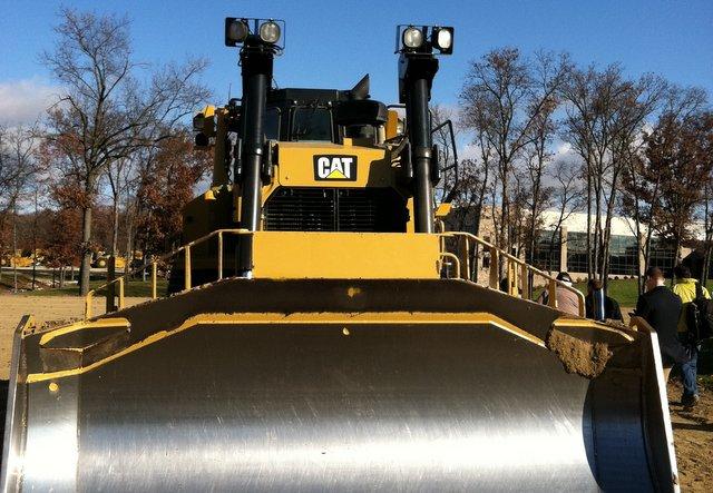 Cat-track-type-loader