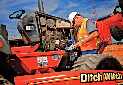 Ditch-Witch-Trencher-Maintenance-RT80-QUAD_192-(cut-1)