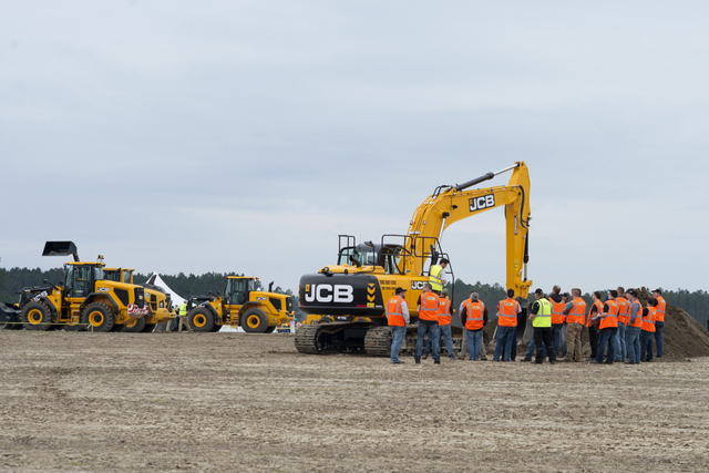 Dealers attend from across the country to gain valuable stick time, which allows them to better represent JCB products all year long.