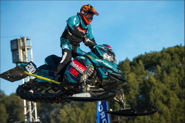 Makita Returns As Snocross Team Sponsor