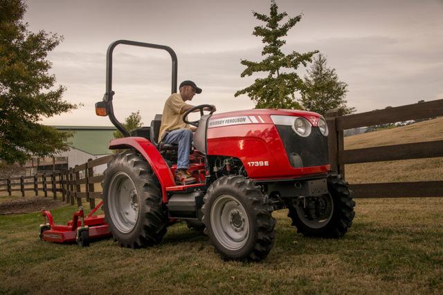 Massey_Ferguson-Compact-Tractor-Photo1