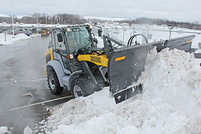These high-capacity, high-reach, high-visibility loaders bring outstanding production value to snow removal applications.