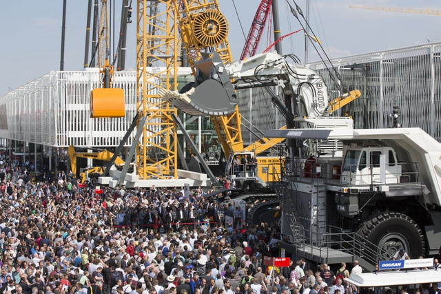 We visit NYC to discuss the biggest trade show on earth — bauma (April 11-17)