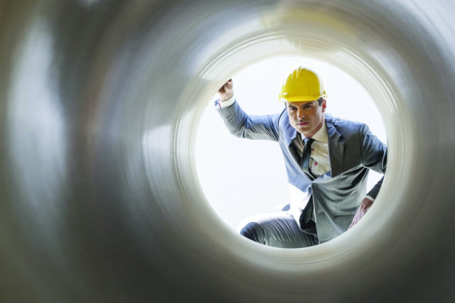 construction-business-pipeline-looking-in-cut-1111